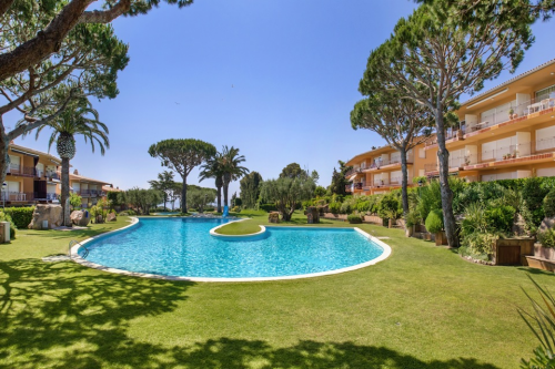 Apartments in Llafranc with Swimming Pools
