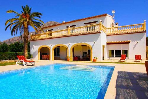 5 Bedroom villa on Costa Blanca